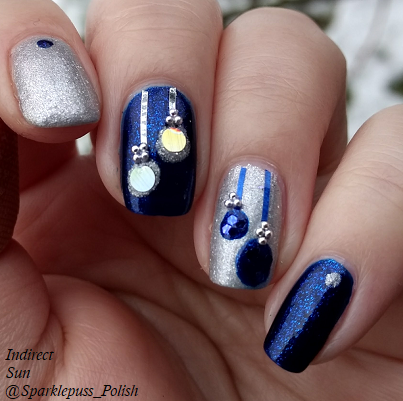 Ornament Christmas nail art with Addie Mae by Parrot Polish and The Gilded Spoon by Gothic Gala Lacquers 1