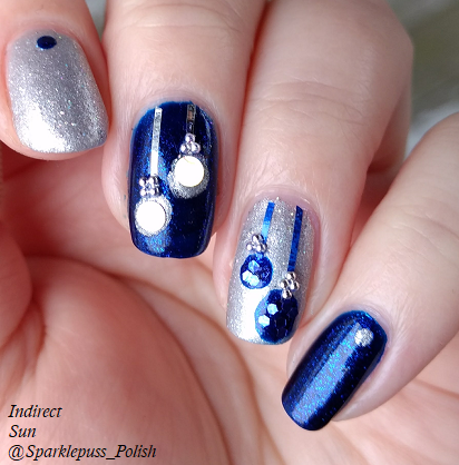 Ornament Christmas nail art with Addie Mae by Parrot Polish and The Gilded Spoon by Gothic Gala Lacquers 2